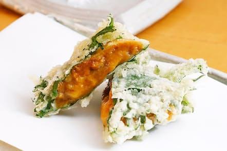 「天ぷら 蕎楽亭」の青じそと薄い衣に包まれた「ウニ」