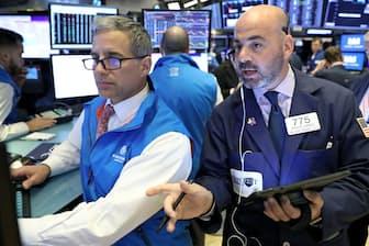 米国株は欧州株や日本株に比べて堅調だ(ニューヨーク証券取引所)=ロイター