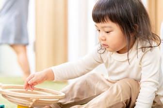 子どもは全感覚で自分をつくり上げる目的で活動している(写真はイメージ=PIXTA)