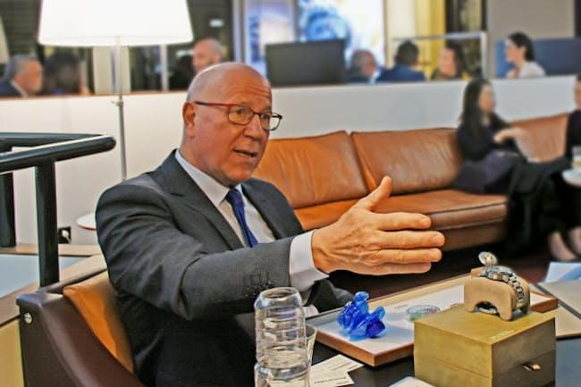 オリスのウルリッヒ・W・ヘルツォーク会長