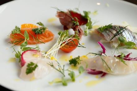 「S(エッセ)」の「鮮魚のカルパッチョ」