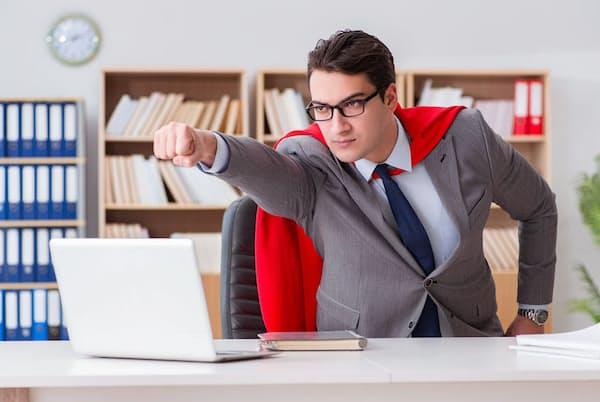 やる気にあふれているのはいいが、過重労働が常態化している社員も会社にとっては困りもの。写真はイメージ=(c)Elnur Amikishiyev-123RF