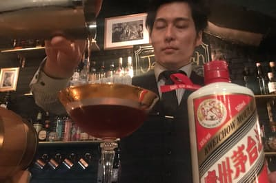 東京都新宿区のバー「ジェレマイア」では白酒カクテルをリピートするファンも