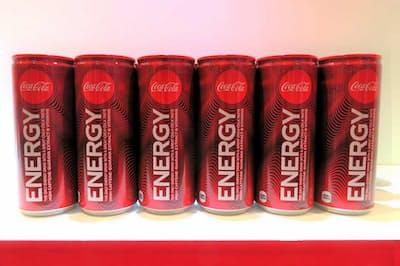 中央の「ENERGY」の文字が目を引くパッケージデザイン(出所:「コカ・コーラ2019年夏季戦略発表会」資料、以下同)