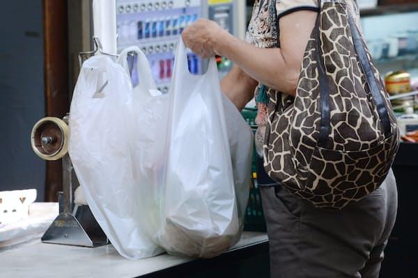 レジ袋の有料化は、急に現実味を帯びてきた印象だ