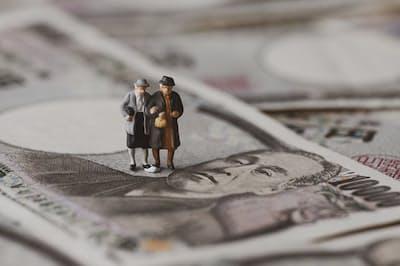 老後のお金は年金だけでは頼れない?(写真はイメージ=PIXTA)