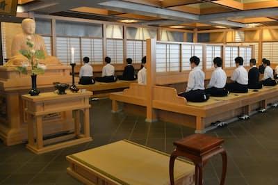 世田谷学園の「禅堂」。学校でここまで本格的な施設を備えるのは珍しい=同学園提供