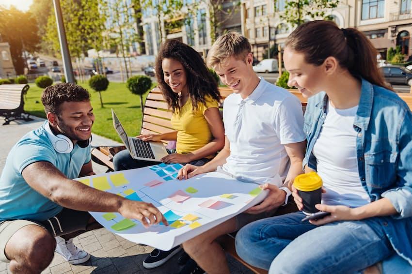 大学での学び方は多様化している。写真はイメージ=PIXTA