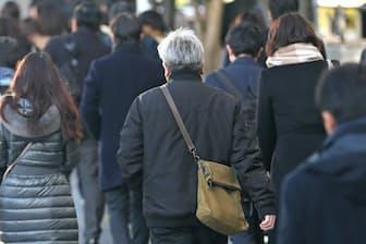60代後半では3人に1人が厚生年金に加入して働いている