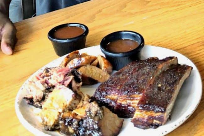 ヒューストンの人気BBQジョイント「ギャトリンズ」