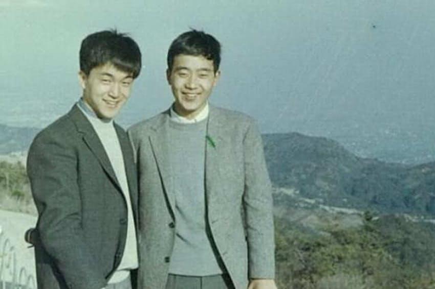 若き日の小田和正さん(左)と地主道夫さん