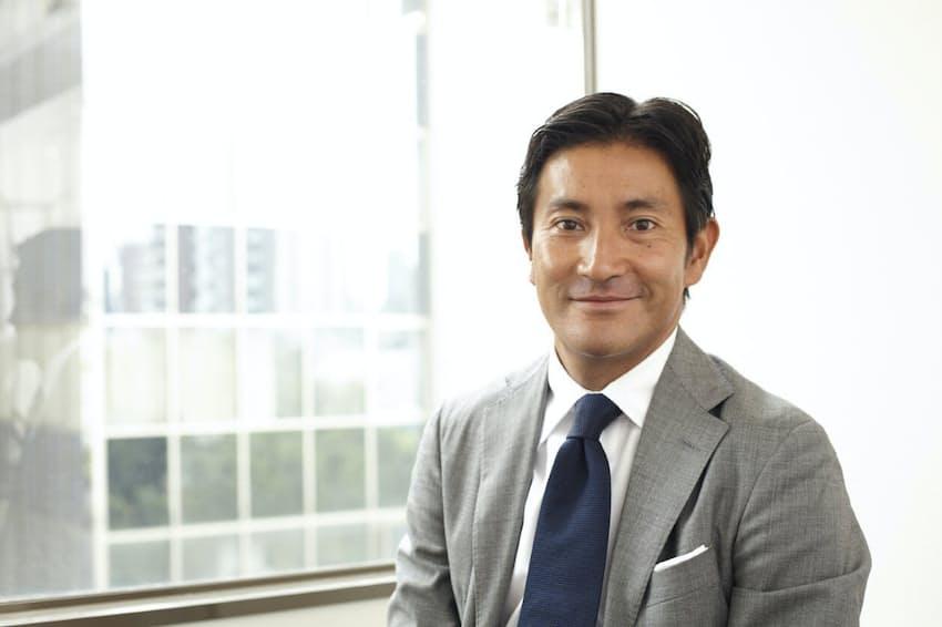 松山油脂の松山剛己社長は新卒で入った博報堂から三菱商事へ転じた後、家業を継いだ