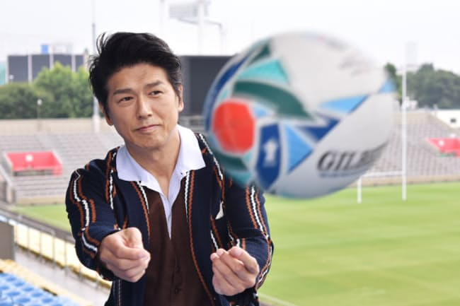 高橋克典さんはひとりでふらっと観戦に来ることもあるという(2019年7月、東京都港区の秩父宮ラグビー場)