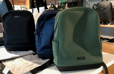 人気のバックパックをコレクション化。バックパックコレクションは2万円前後とてごろ。自立する形が好評