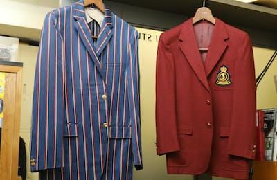 60年代のブレザー(左)は当時はやったアイビーストライプで金ボタンだ。えんじのブレザーは70年代、米スポルディングのクラブジャケットのライセンス商品。どちらもVAN(ヴァンヂャケット)製だ