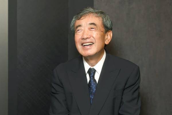 松本晃氏にとっては、会議も書類も無駄なもの