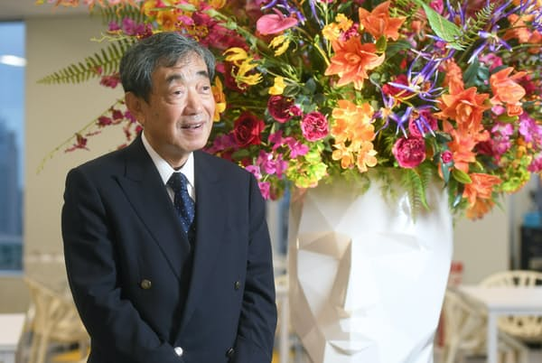 松本晃氏はカルビーの会長兼最高経営責任者時代、国際化に力を注いだ