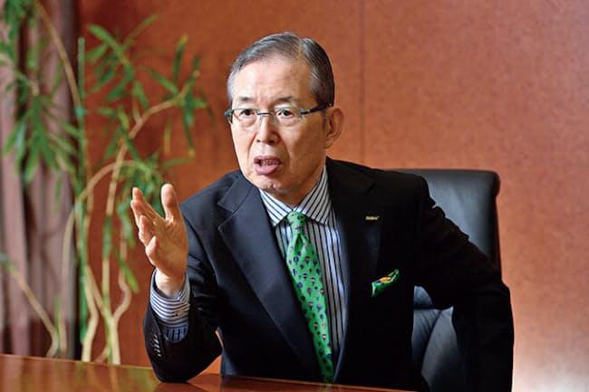 永守重信氏 1944年京都府生まれ。73年に28歳で日本電産を創業し、1代で世界一の総合モーターメーカーに育て上げた。2018年3月、学校法人京都学園理事長に就任。19年4月から法人名変更に伴い学校法人永守学園理事長。日本電産会長兼CEO(最高経営責任者)を兼務する