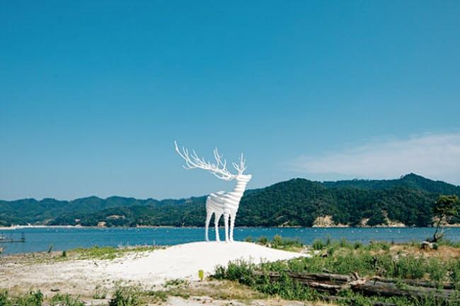 「いのちのてざわり」をテーマに、展示エリアを拡大して開催されている「リボーンアート・フェスティバル2019」(NikkeiLUXEより)