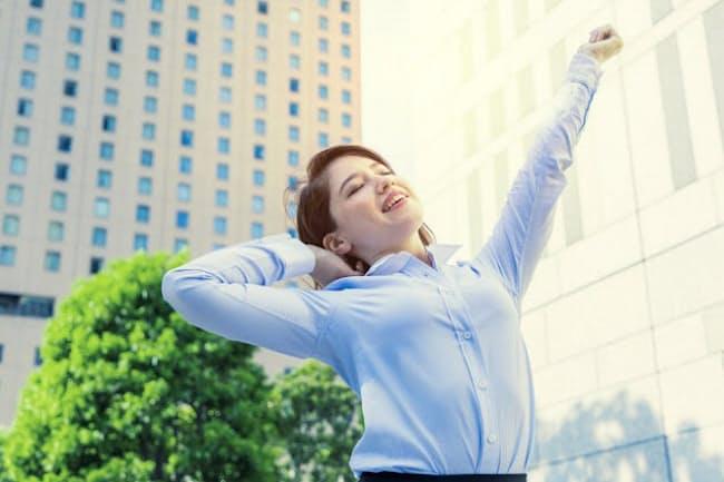 化粧・家事・ジム通いなど、こだわりをやめるとストレスから解放される(写真はイメージ=PIXTA)