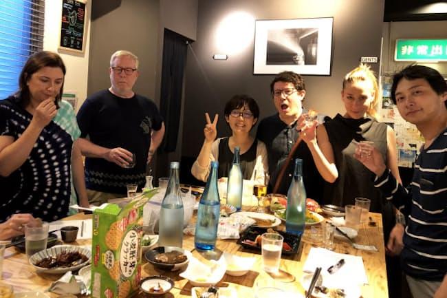 KURAND SAKE MARKET渋谷店のイベントでは店員も客も英語で会話