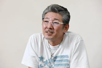 1965年川崎市生まれ。81年「2年B組仙八先生」出演、82年「シブがき隊」結成。その後もドラマや映画、バラエティーなど幅広く活動する。ブログ「ふっくんの日々是好日」更新中。
