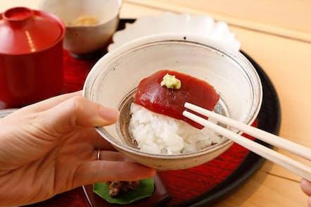 コースの締めの御膳には豪華な「ご飯のお供」がつく。取材日には朝仕入れたマグロ赤身のづけも