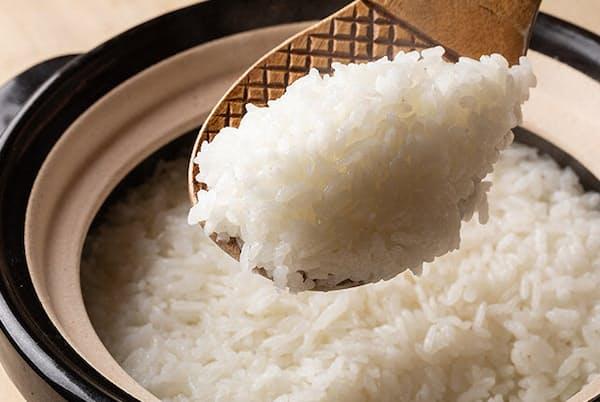 身体が喜ぶ10品種の自然栽培米に、絶品のおかずを組み合わせ、新米の美味しさを堪能したい(NikkeiLUXEより)
