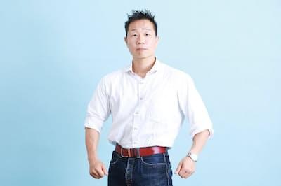 NHKの5分間番組『みんなで筋肉体操』でおなじみの谷本道哉さん。プライベートではどんな筋トレをしているのだろうか。(写真 鈴木愛子)