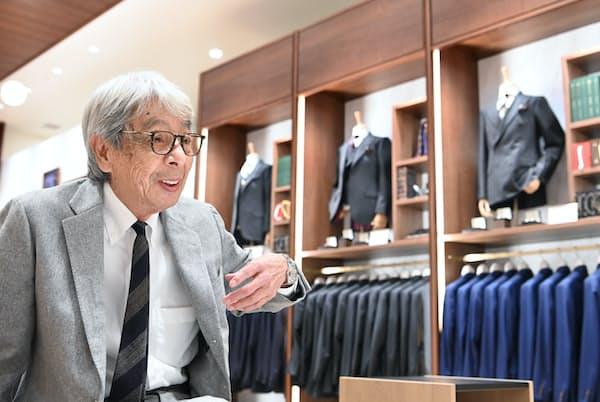 「オーダー店はとにかく人が大切。好みのすし屋の親父を見つけるのと一緒だよ」と話す石津祥介さん(東京都中央区「STORY & THE STUDY」)