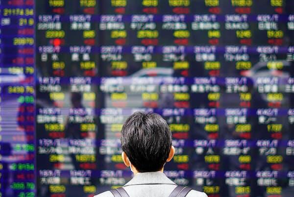 アベノミクス相場下で一貫して買い越しだった海外勢の投資スタンスが最近売り越しに転じた