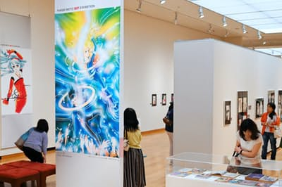 「萩尾望都SF原画展」では「11人いる!」など約400点のカラーイラストや生原稿が並ぶ(甲府市の山梨県立美術館)