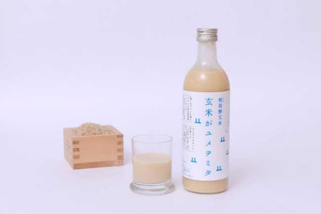 一般的な甘酒の2倍以上の価格でも人気を得ている「玄米がユメヲミタ」(税込み1469円)(写真提供:山燕庵)