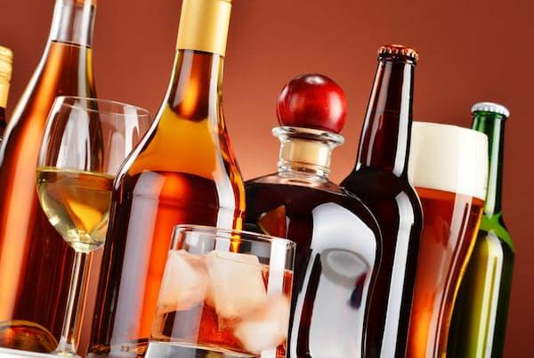 糖尿病の患者はお酒を控えるように指導されるという。その一方で、お酒は血糖値を下げるという話も聞く。どちらが本当なのだろうか。写真はイメージ=(c)monticello-123RF