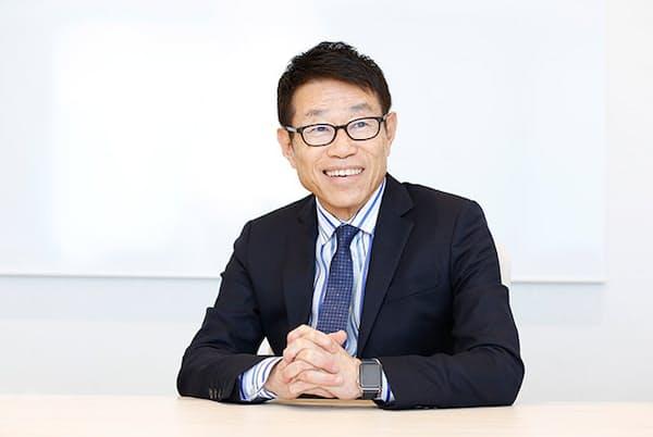 フューチャー会長兼社長グループCEOである金丸恭文さん