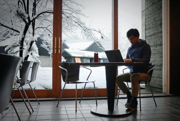 星野リゾート(長野県軽井沢町)は「温泉ワーケーションプラン」を2020年1月から始める