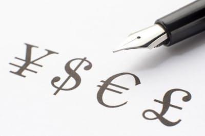 外貨建て保険は本当にお得なのか?(写真はイメージ=PIXTA)