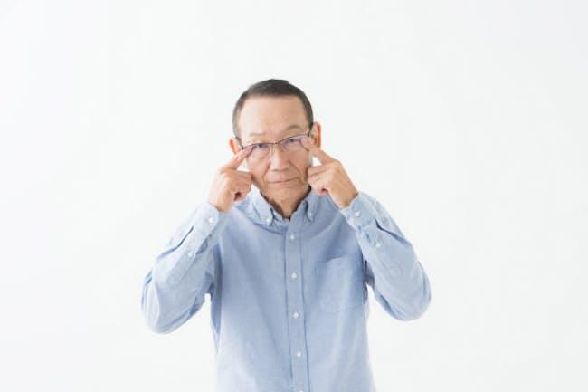 50代手前から目のアンチエイジングを意識したい(写真はイメージ=PIXTA)