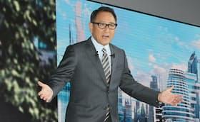 東京モーターショー2019でスピーチするトヨタ自動車の豊田章男社長