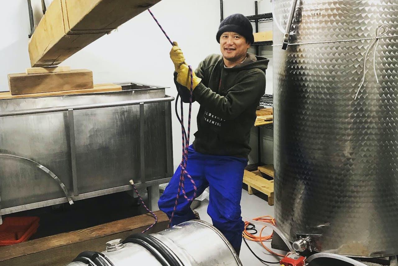 米国でSAKEを醸す日本人醸造家・迫義弘さん