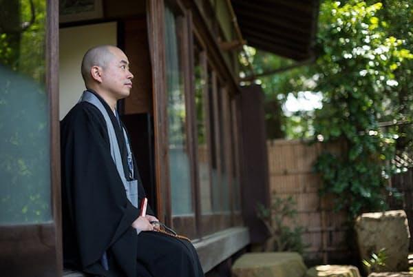 「龍雲寺」第十二代住職を務める細川晋輔さん