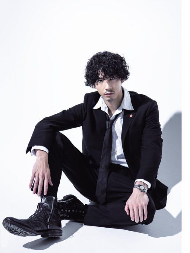 賀来賢人が刑事ドラマ 「コイツ大丈夫?と思わせる」 NIKKEI STYLE