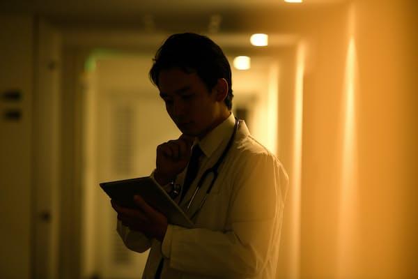 夜勤は発がん性リスクを高めることがわかってきた(写真はイメージ=PIXTA)