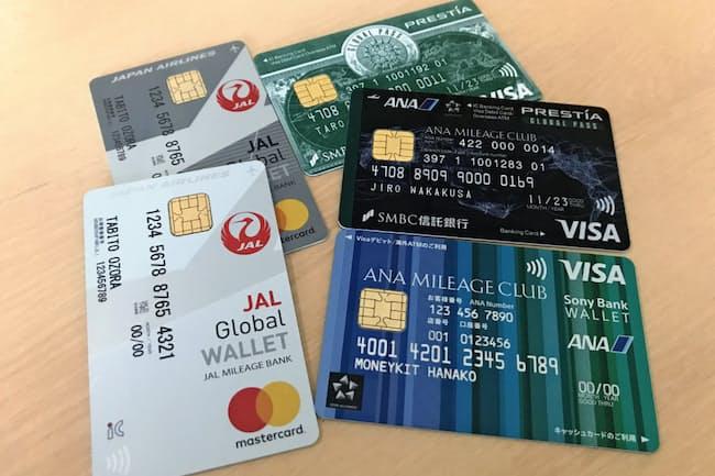 外貨預金を使い、複数の国の現地通貨で支払えるカードが増えている