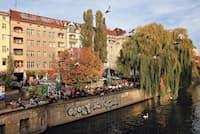 19世紀半ばに造られたラントヴェーア運河が、ベルリン中心部を流れる(PHOTOGRAPH BY PABLO CASTAGNOLA, ANZENBERGER/REDUX)