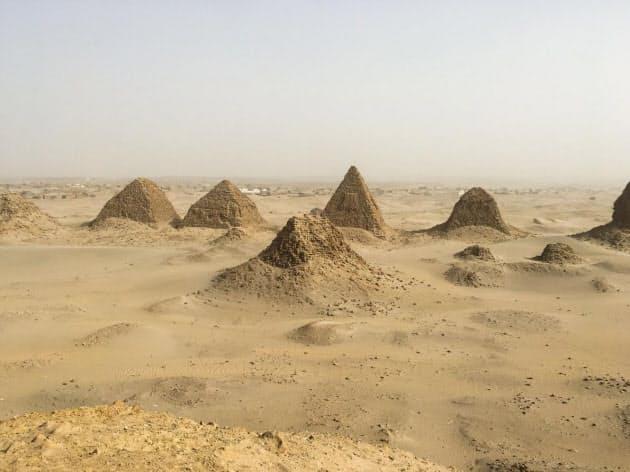 ピラミッドの下に水没した王墓 100年経て発掘へ一歩|ナショジオ ...