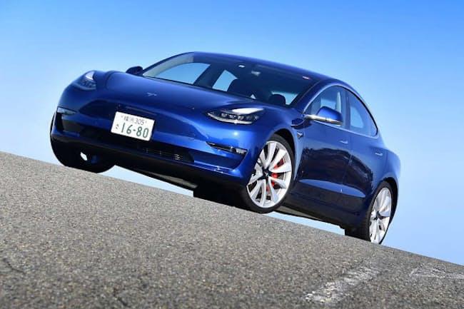 パワーとスタミナが自慢の電気自動車「テスラ・モデル3パフォーマンス」(写真:田村 弥、以下同)
