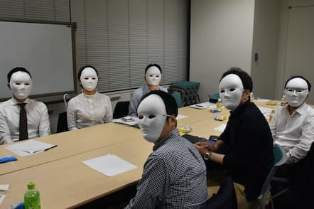 6人の採用担当者らが学生を交えて本音トーク(2019年秋、東京・大手町)