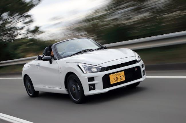 トヨタとダイハツがタッグを組んで開発したスポーツカー「コペンGRスポーツ」(写真:荒川正幸、以下同)