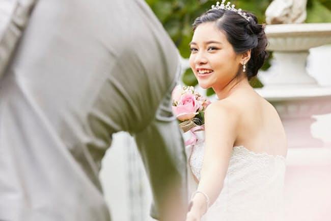 自分らしく、パワーアップできる「パワーアップ婚」がオススメ(写真はイメージ=PIXTA)